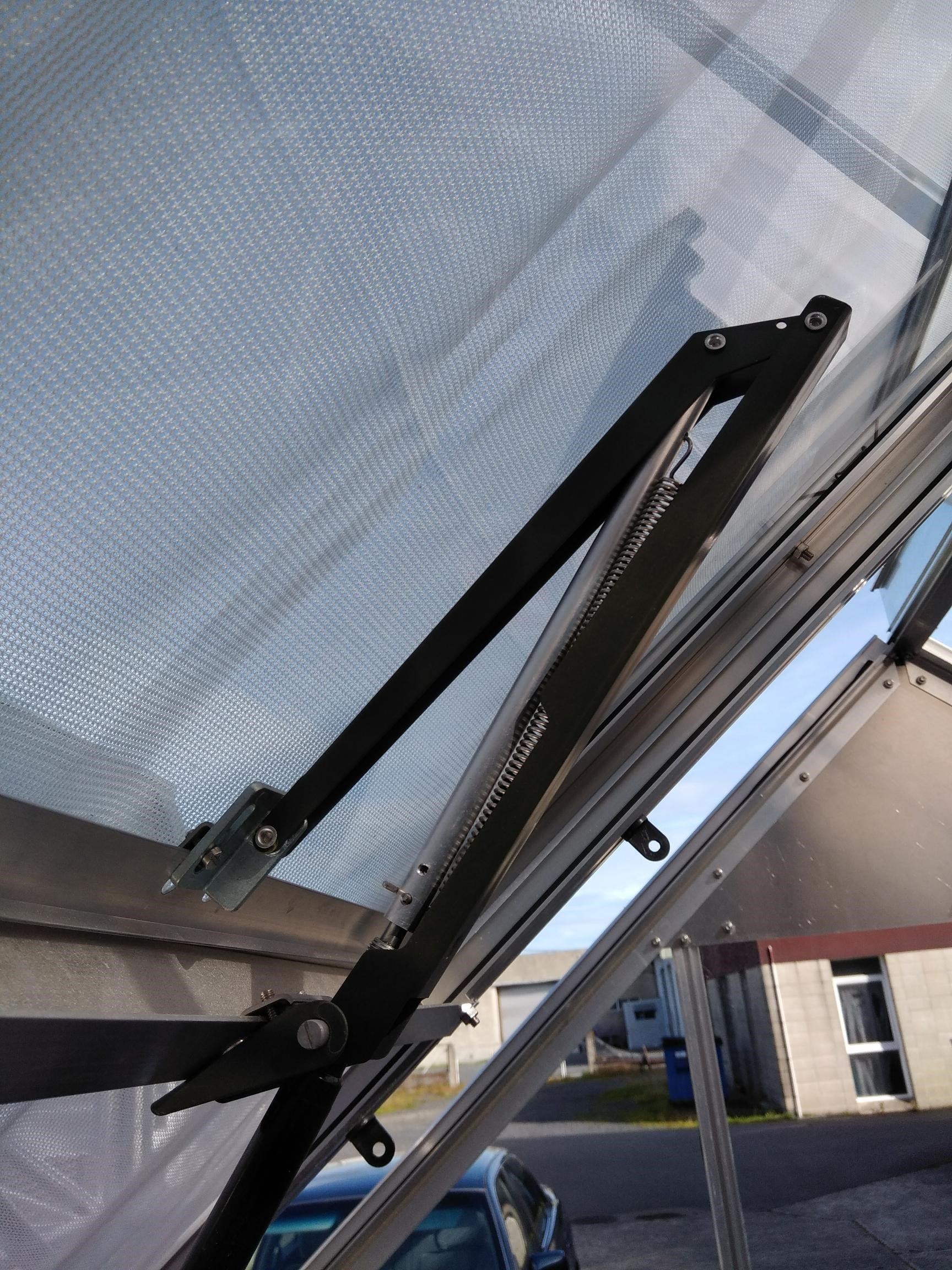 Automatic Vent Opener for Glasshouse
